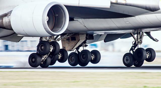 Lốp máy bay không thể bị nổ khi hạ cánh