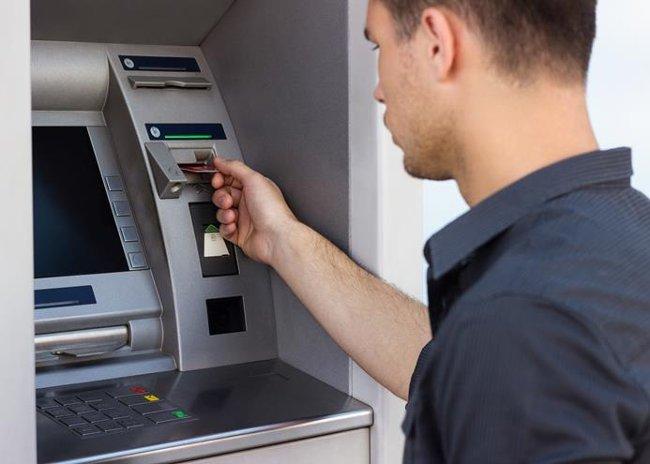 Phí dịch vụ ATM