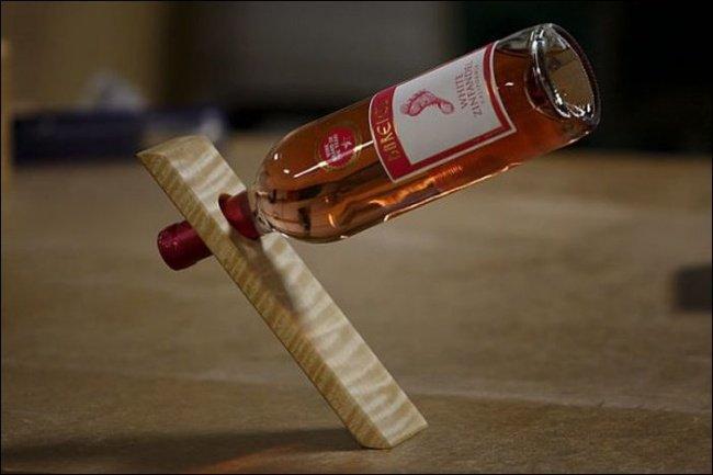 Dụng cụ giữ chai tiện dụng