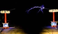 Cuộn Tesla vừa phóng điện lại còn biết hát