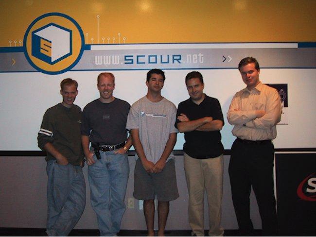 Kalanick bỏ học để tập trung thời gian phát triển một công cụ tìm kiếm Scour