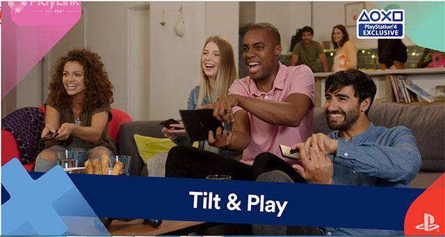 Bạn bè chơi trò chơi bằng PS4 và thiết bị di động