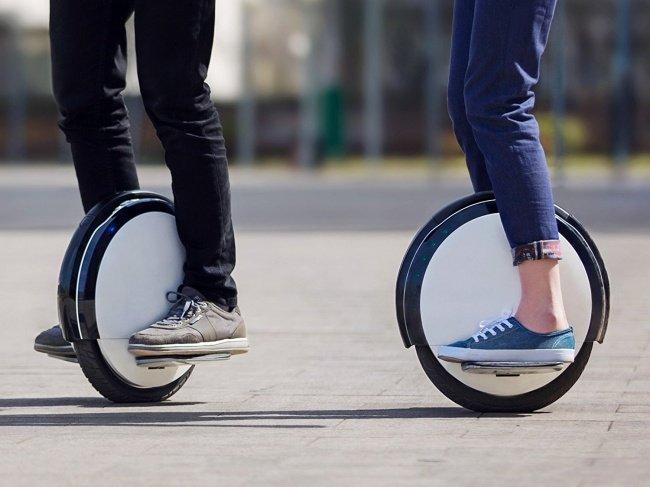 Xe cá nhân một bánh - One-wheel personal transporter