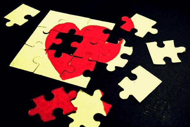 Những mối quan hệ không thể tồn tại chỉ bằng tình yêu