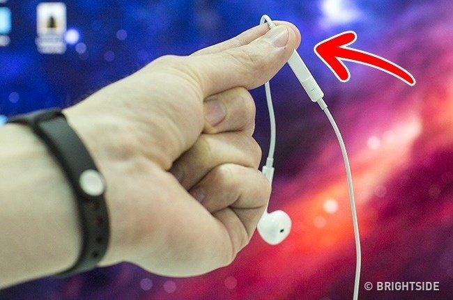 Sử dụng tai nghe để chụp ảnh