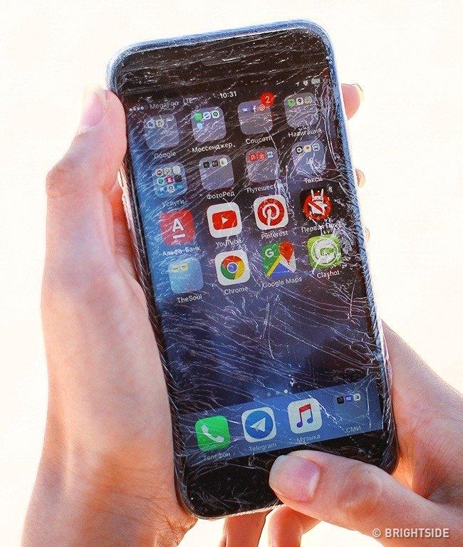 Bảo vệ điện thoại khỏi nước và cát