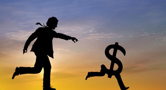 Con người mãi chạy theo đồng tiền