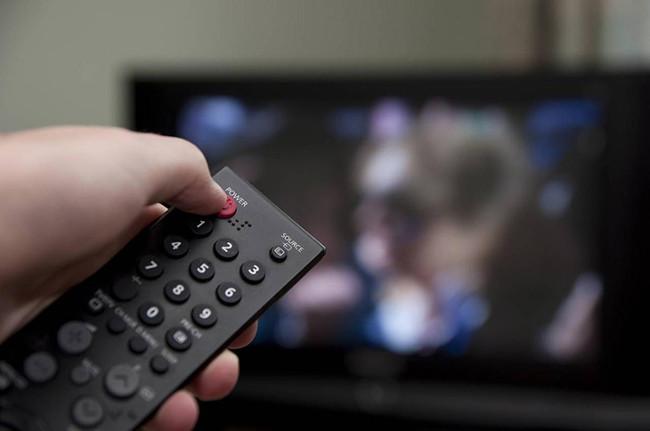 Vậy tắt mở tivi thế nào cho đúng cách