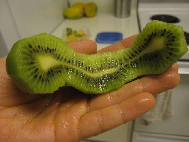 Chuối song sinh? Trứng sinh đôi? Kiwi sinh ba luôn này