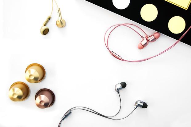 Muốn bảo vệ thính giác hãy vệ sinh tai nghe