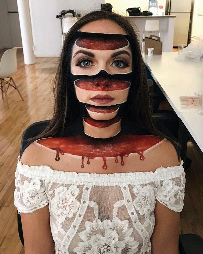 Vào dịp Halloween 31-10, Mimi Choi đã nảy ra ý tưởng trang điểm kinh dị sau khi nhìn thấy bức ảnh của một cô gái như đang bị nứt toác ra.