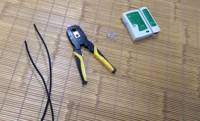 Các dụng cụ cần để bấm dây mạng 4 sợi