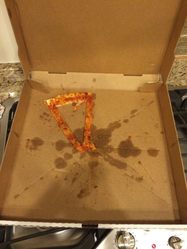 Nó bảo phần tôi một miếng pizza đó! Hồi hộp mở ra và kết quả...