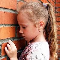 """Những câu """"cửa miệng"""" của cha mẹ vô tình làm con bị trầm cảm"""