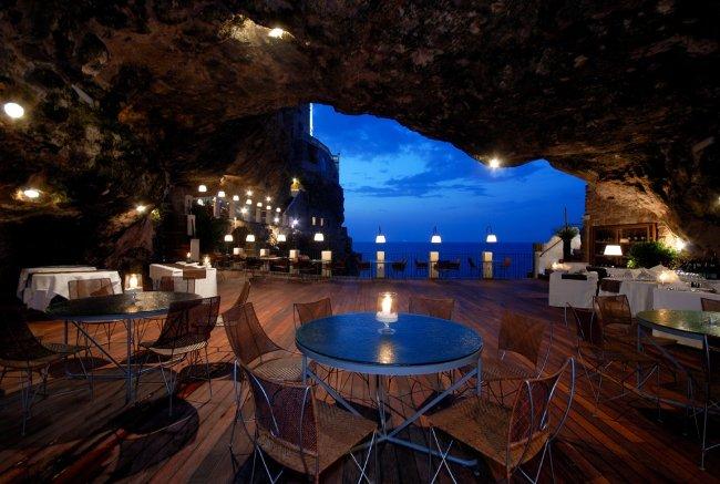 Nhà hàng Ristorante Grotta Palazzese Polignano a Mare, Ý