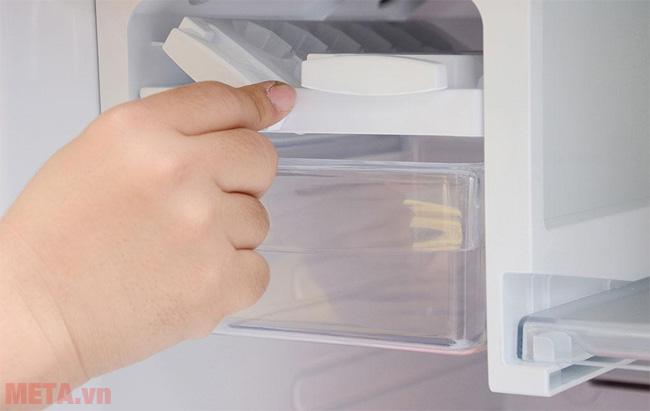 Cánh quạt của tủ lạnh bị khô cũng là nguyên nhân phát ra tiếng kêu ở tủ lạnh