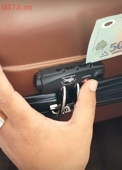 Mở khóa vili bằng tiền