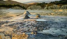 Giải mã bí ẩn ngọn núi lửa bẩn nhất thế giới phun ra bùn thối thay vì dung nham
