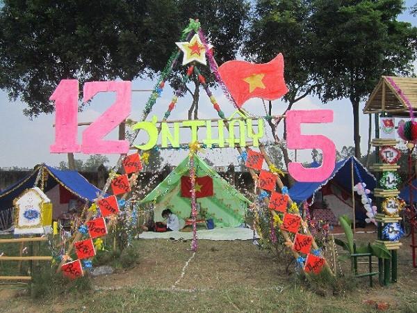 Mẫu cổng trại tam giác