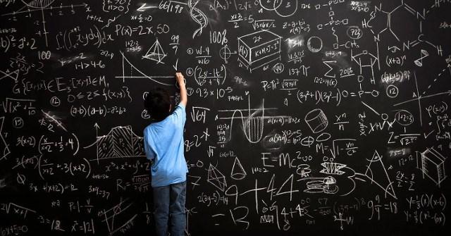 Bố mẹ của những đứa trẻ thông minh, thành đạt thường làm 10 điều này!