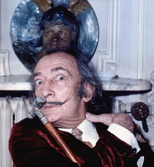 Ria mép của danh họa người Tây Ban Nha Salvador Dali
