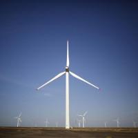 Sự ấm lên toàn cầu có thể làm suy yếu sức gió, một nghiên cứu dự đoán