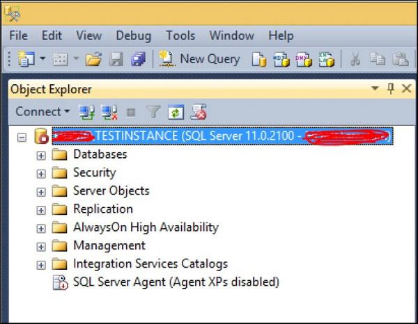 Trạng thái SQL Server Agent là Disabled