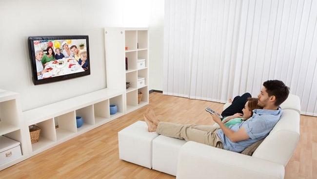 Tivi mỏng, gọn dễ treo tường.