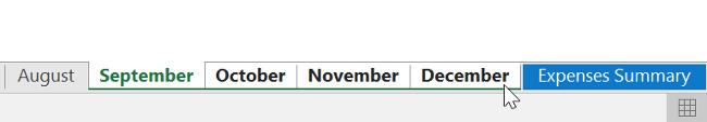 Tiếp tục chọn các bảng tính cho đến khi tất cả các bảng mà bạn muốn nhóm đã được chọn, sau đó nhả phím Ctrl