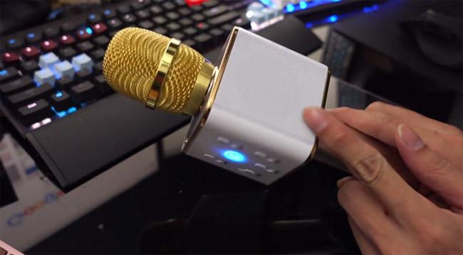 Bật bluetooth của micro không dây lên.