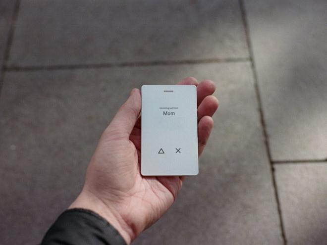 Light Phone 2 có thể thêm địa chỉ liên lạc, gọi taxi, chỉ đường