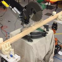 Hệ thống thí nghiệm AutoSaw, sử dụng robot để phục vụ việc cưa