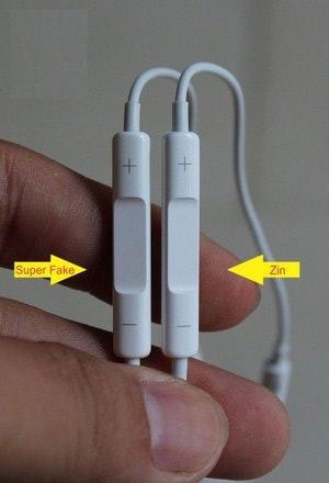 Phần điều chỉnh âm lượng ở tai nghe chuẩn sẽ khít hơn
