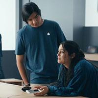 Quảng cáo mới của Samsung chế giễu vụ làm chậm iPhone của Apple