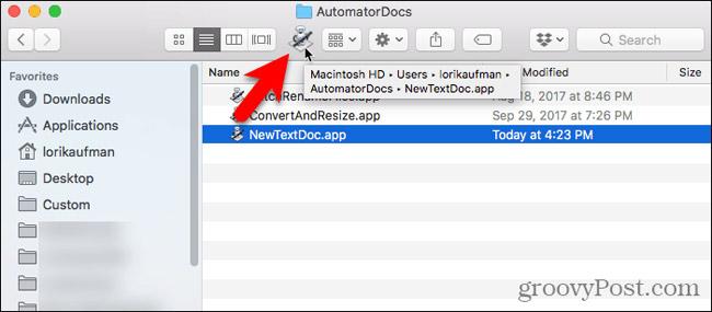 Kéo file ứng dụng vào thanh công cụ