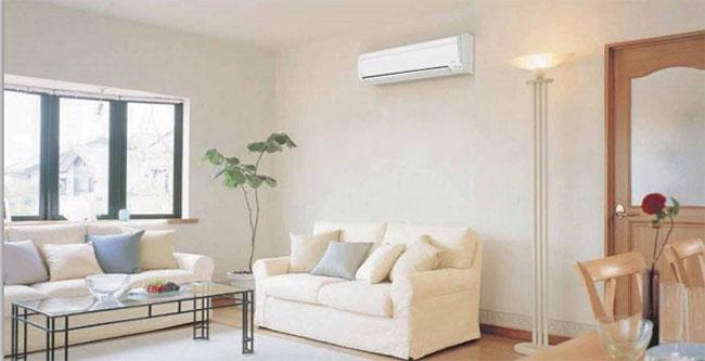 Có thực sự cần bật sẵn điều hòa trước khi vào nhà?