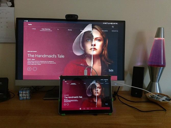 Kết nối máy tính bảng với TV bằng cáp USB