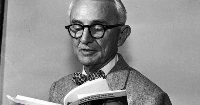 """Những câu châm ngôn đáng để đọc và suy ngẫm về cuộc sống của tác giả """"Đắc nhân tâm"""""""