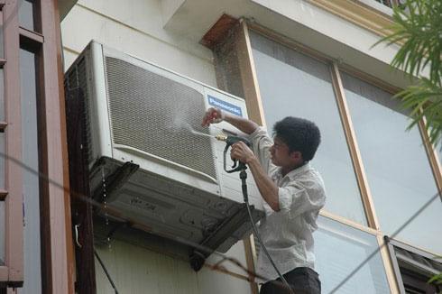 Cục nóng lâu ngày không được vệ sinh