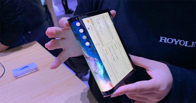 Thiết bị di động màn hình gập mang tên FlexPai