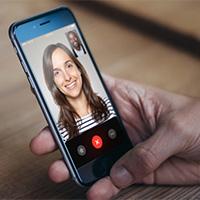 Cách chuyển đổi camera khi gọi video FaceTime trên iPhone hoặc iPad chạy iOS 12