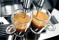 Nên chọn máy pha cà phê tự động hay bán tự động?