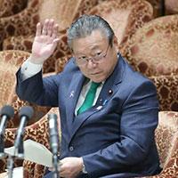 Bộ trưởng an ninh mạng Nhật Bản thừa nhận chưa bao giờ dùng máy tính