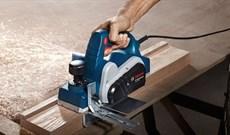 Bật mí cách sử dụng máy bào gỗ cầm tay an toàn, hiệu quả