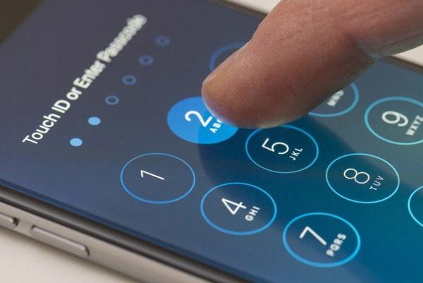 Đưa malware vào những chiếc iPhone