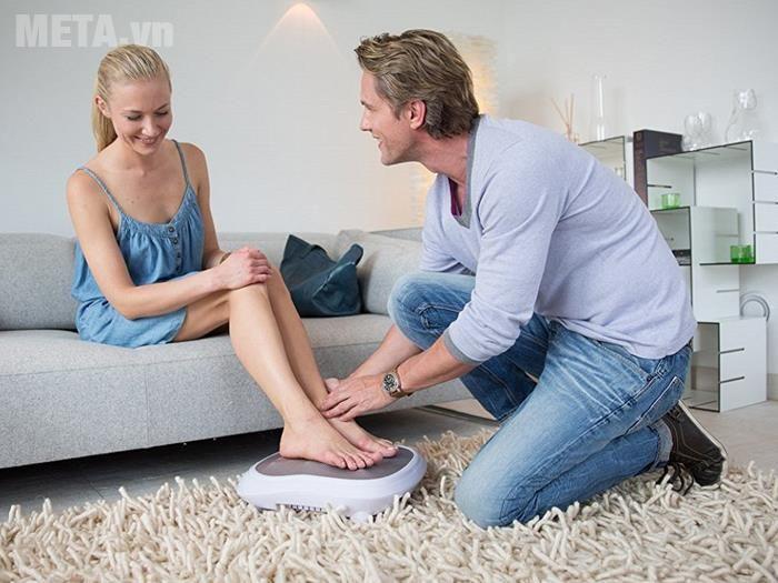Máy massage chân là thiết bị chăm sóc sức khỏe và thư giãn hiệu quả cho đôi chân.