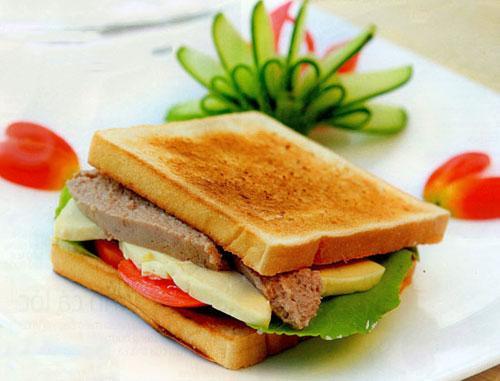 Tiross TS-965 nướng bánh mì kẹp