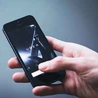 Cách cầm smartphone phản ánh thế nào về tính cách của bạn?