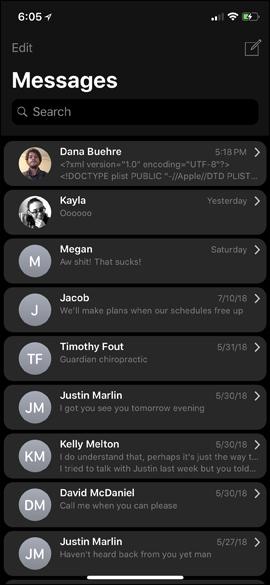 Giao diện tin nhắn nền đen