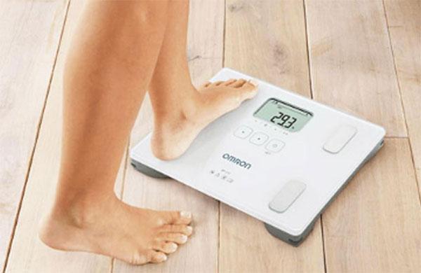 Cân sức khỏe giúp đo trọng lượng